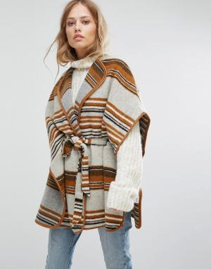 Suncoo Пальто в полоску с запахом и поясом. Цвет: коричневый