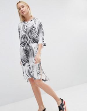 Weekday Платье-футболка с принтом. Цвет: мульти