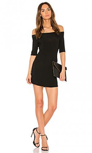 Платье с открытыми плечами toni Riller & Fount. Цвет: черный