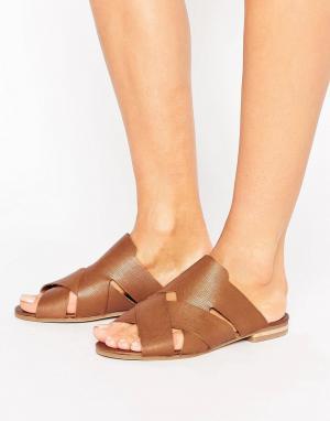 Hudson London Кожаные сандалии с перекрестными ремешками Lonatu. Цвет: рыжий