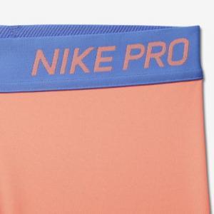 Капри для тренинга девочек школьного возраста  Pro Nike. Цвет: красный