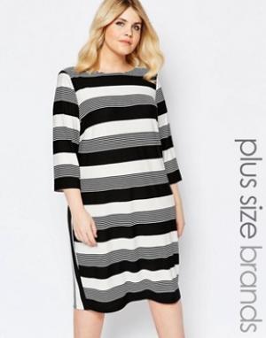 Carmakoma Цельнокройное платье в комбинированную полоску. Цвет: мульти