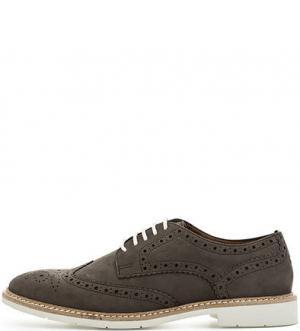 Замшевые туфли с брогированием Tommy Hilfiger. Цвет: коричневый
