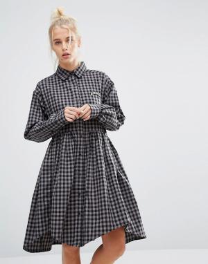 Lazy Oaf Свободное платье‑рубашка в клеточку с надписью Bored. Цвет: серый