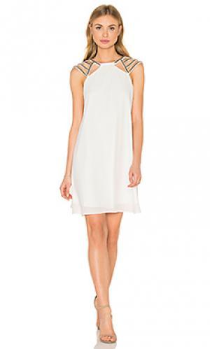 Платье-футляр shine on Lumier. Цвет: белый