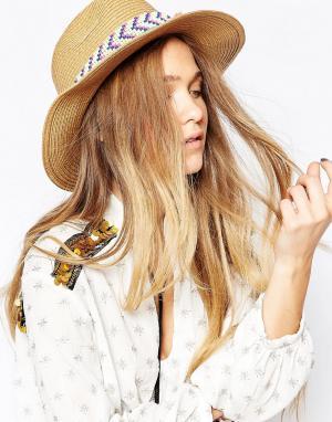 7X Соломенная шляпа с отделкой бисером и кисточками. Цвет: бежевый