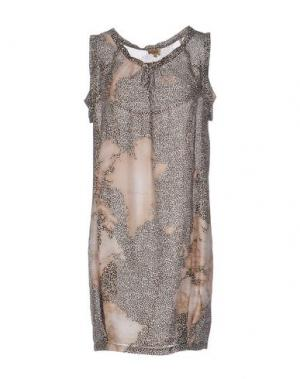 Короткое платье ALVIERO MARTINI 1A CLASSE. Цвет: хаки