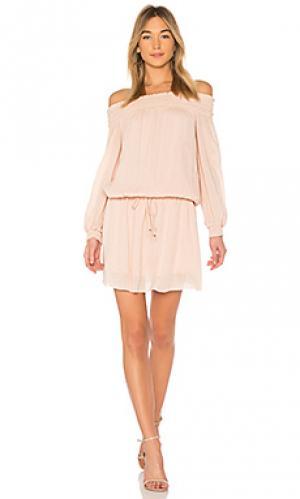 Платье с открытыми плечами inez Line & Dot. Цвет: peach
