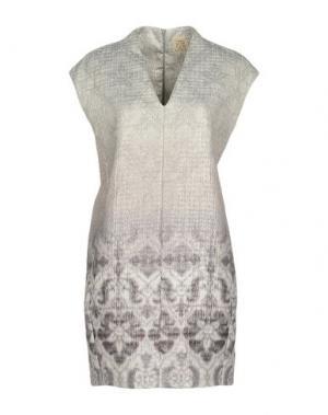 Короткое платье ATTIC AND BARN. Цвет: светло-серый