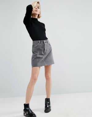 ASOS Выбеленная серая джинсовая мини-юбка с завышенной талией и необработан. Цвет: серый