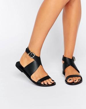 Sol Sana Кожаные сандалии с перекрестным дизайном Kennedy. Цвет: черный