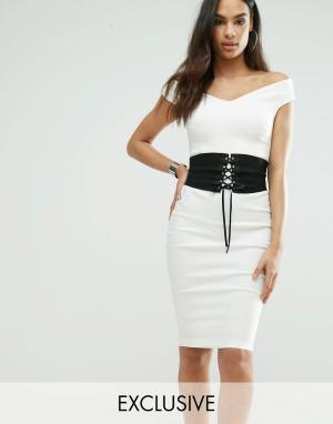 Vesper Платье-футляр с корсетом и открытыми плечами. Цвет: кремовый