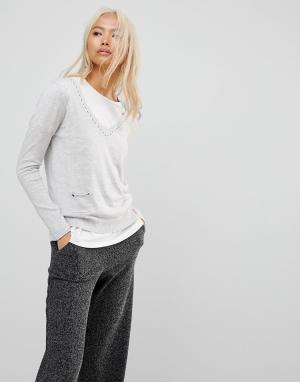Subtle Luxury Джемпер с V-образным вырезом и карманами. Цвет: серый