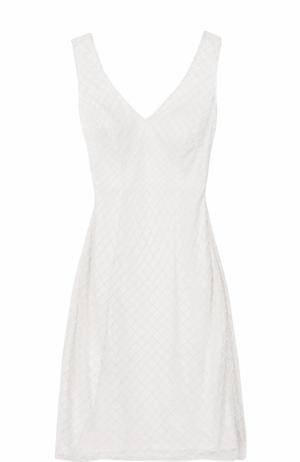 Приталенное платье с вышивкой бисером и V-образным вырезом Basix Black Label. Цвет: белый