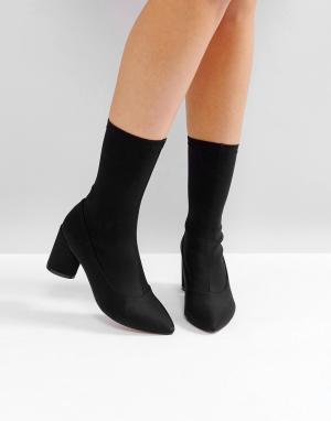 Raid Черные ботинки на каблуке Darcie. Цвет: черный