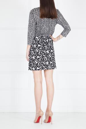 Шелковое платье Diane von Furstenberg. Цвет: черно-белый