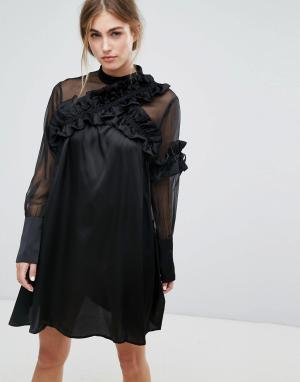 Lost Ink Платье с длинными рукавами и отделкой рюшами. Цвет: черный