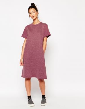 The WhitePepper Oversize платье-футболка длины миди. Цвет: красный