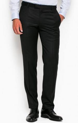 Зауженные черные брюки из шерсти Strellson. Цвет: черный