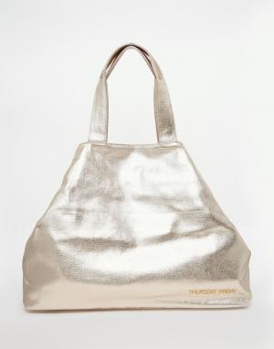 Thursday Friday Парусиновая пляжная сумка с эффектом металлик. Цвет: золотой