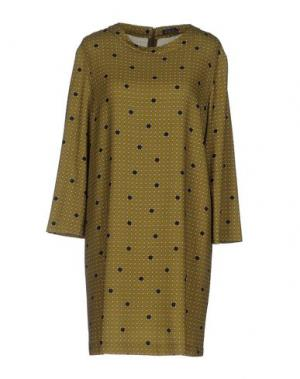 Короткое платье LAURA URBINATI. Цвет: зеленый-милитари