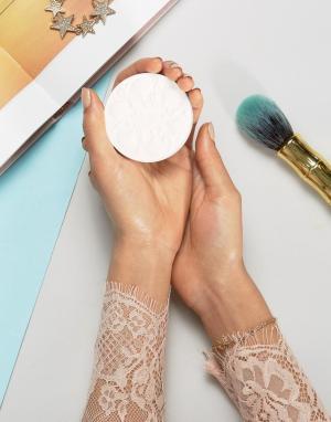 Anna Sui Осветляющая пудра для лица. Цвет: бежевый
