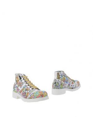 Полусапоги и высокие ботинки O.X.S.. Цвет: белый