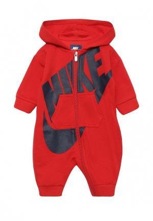 Комбинезон Nike. Цвет: красный