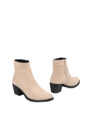 Полусапоги и высокие ботинки MAISON SHOESHIBAR. Цвет: бежевый