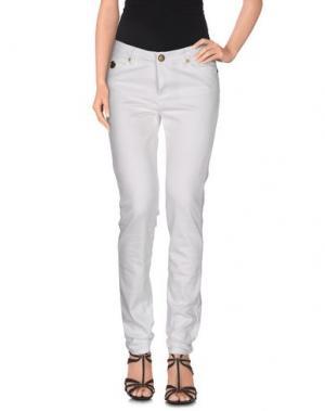 Джинсовые брюки DUCK FARM. Цвет: белый