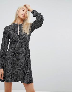Rock & Religion Чайное платье с принтом Lorelie. Цвет: черный