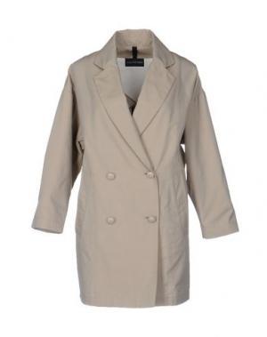 Легкое пальто AQUARAMA. Цвет: песочный