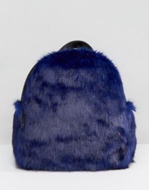 Skinnydip Миниатюрный рюкзак из искусственного меха. Цвет: синий