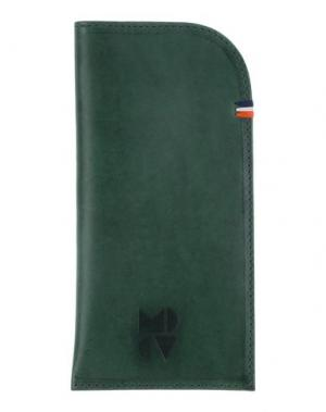 Косметичка CLARE V.. Цвет: зеленый