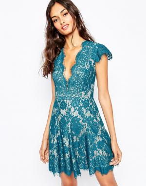The Jetset Diaries Короткое приталенное платье с глубоким вырезом Fant. Цвет: зеленый