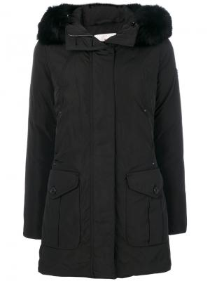 Пальто с меховой отделкой Peuterey. Цвет: чёрный