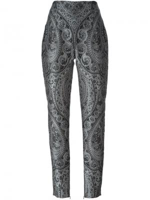 Прямые брюки с узором пейсли Balmain. Цвет: серый