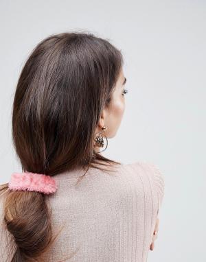 ASOS Заколка для волос с искусственным мехом. Цвет: розовый