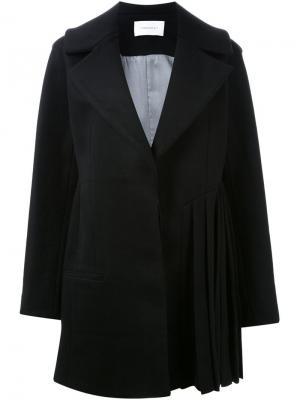 Пальто с плиссированным подолом Thomas Tait. Цвет: чёрный