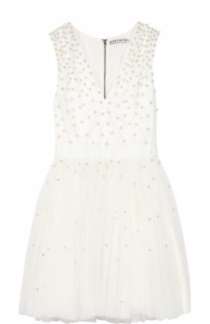 Приталенное мини-платье с широкой юбкой и жемчужной отделкой Alice + Olivia. Цвет: белый