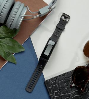 Garmin Черный фитнес-трекер Vivosmart HR Medium. Цвет: черный