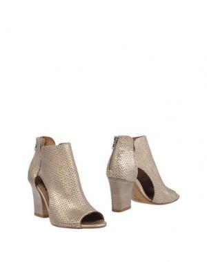 Полусапоги и высокие ботинки JUICE. Цвет: платиновый