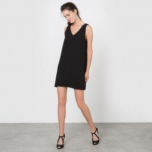 Платье прямого покроя декольтированное без рукавов MOLLY BRACKEN. Цвет: черный