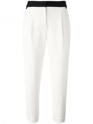 Укороченные брюки с контрастным поясом Tibi. Цвет: белый