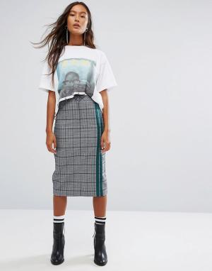 STYLE NANDA Клетчатая юбка-карандаш с полосками в спортивном стиле STYLENANDA. Цвет: серый