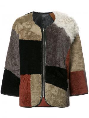 Лоскутная меховая куртка YMC. Цвет: коричневый
