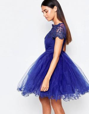 Laced In Love Синее платье для выпускного из кружева и сеточки. Цвет: синий