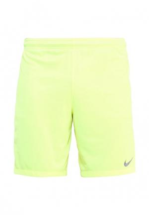 Шорты спортивные Nike. Цвет: желтый