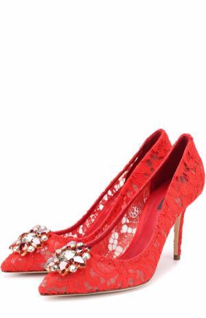 Кружевные туфли Rainbow Lace с брошью Dolce & Gabbana. Цвет: красный