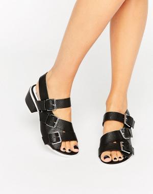 Eeight Черные сандалии с пряжками Lima. Цвет: черный